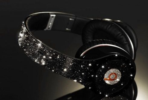 Customized Beats by Dre Headphones   Celebrity Status We Use 100 Percect Swarovski Elements Only. $599.99, via Etsy. SOMEBODY BUY ME THESE!!!
