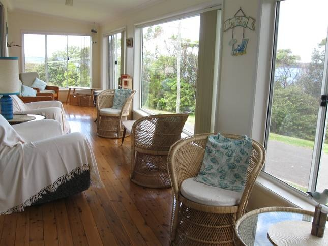 Kookaburra West - Mollymook Beach - $600/Fri & Sat - 3 bedrooms, sleeps 8 (check rates for Oct)