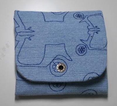 """Hoy te traigo este kit para que no te pille sin provisiones en el bolso y que en esta ocasión he hecho para el """"cumple"""" de mi hermana. La t..."""