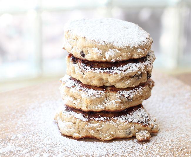 cinnamon raisin oatmeal fritters: Breakfast Fritters, Apple Fritters, Raisin Oatmeal, Raisin Fritters, Comfort Food, Baking, Cinnamon Raisin, Breakfast Recipes