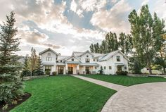 Lane Myers Construction Utah Custom Home Builders Midway Farms Community Midway Farms Utah Luxury Custom Homes #customhomebuilder #realestate #lanemyers #lanemyersconstruction #utah #craftsman #customhomes #paradeofhomes #utahhomebuilders #utahcustomhomes #utahcustomhomebuilder #luxuryhomes #exterior #white #farmhouse