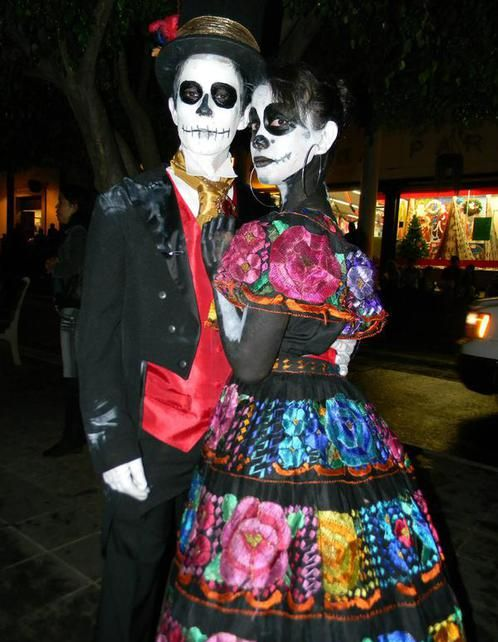 Day of the Dead and Night of the Dead, Dia de Muertos y Noche de Muertos