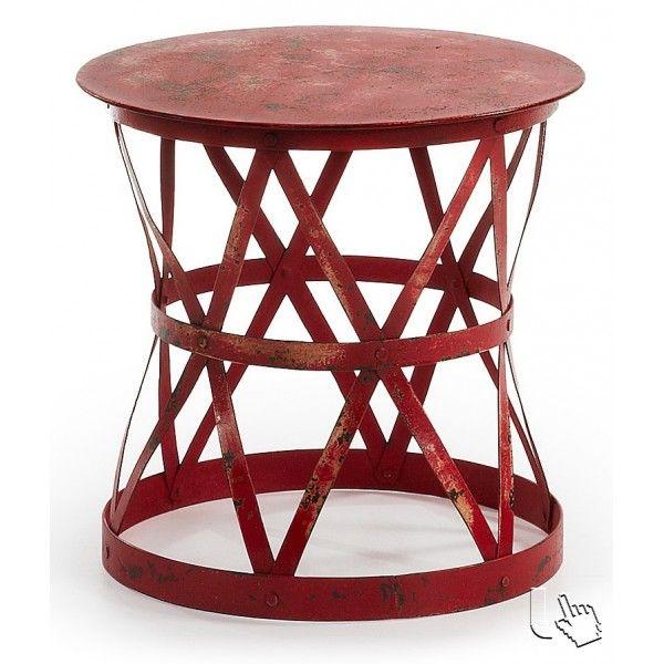 Meraviglioso tavolino, adatto per qualsiasi ambiente, ideale per abbellire il vostro giardino o terrazzo. Completamente realizzato in ferro rosso invecchiato, piegato lavorato a mano.