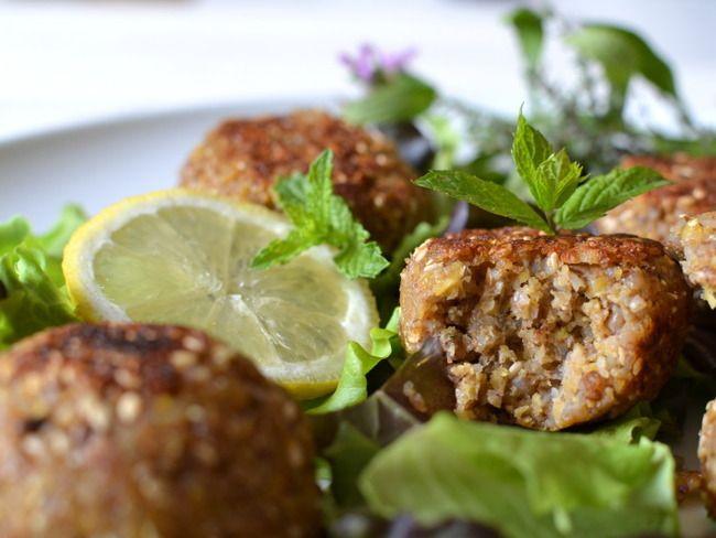 Falafels végétaux aux courgettes et sarrasin.