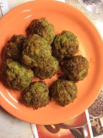 Brokkolis csirkefasírt