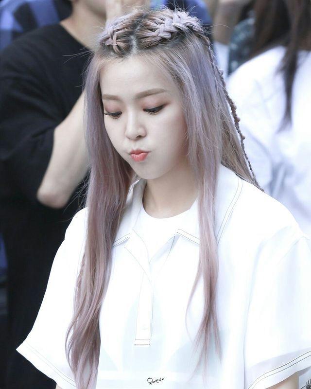 Pin By Lulamulala On Minju Kpop Hair Hair Styles Hair Looks
