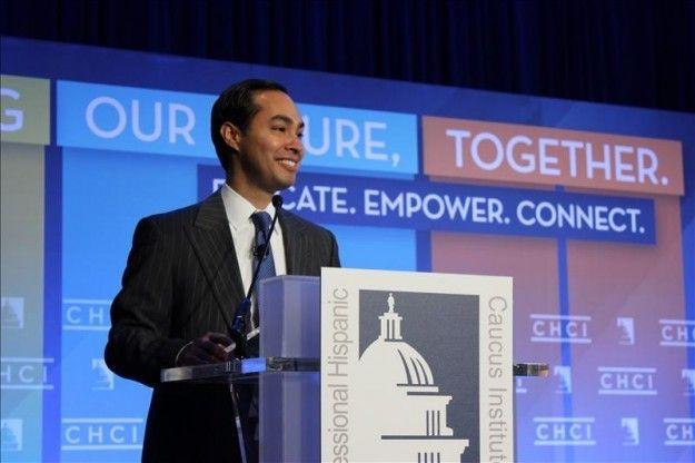 Julián Castro dice que acceso a vivienda asequible promueve movilidad social - USA Hispanic