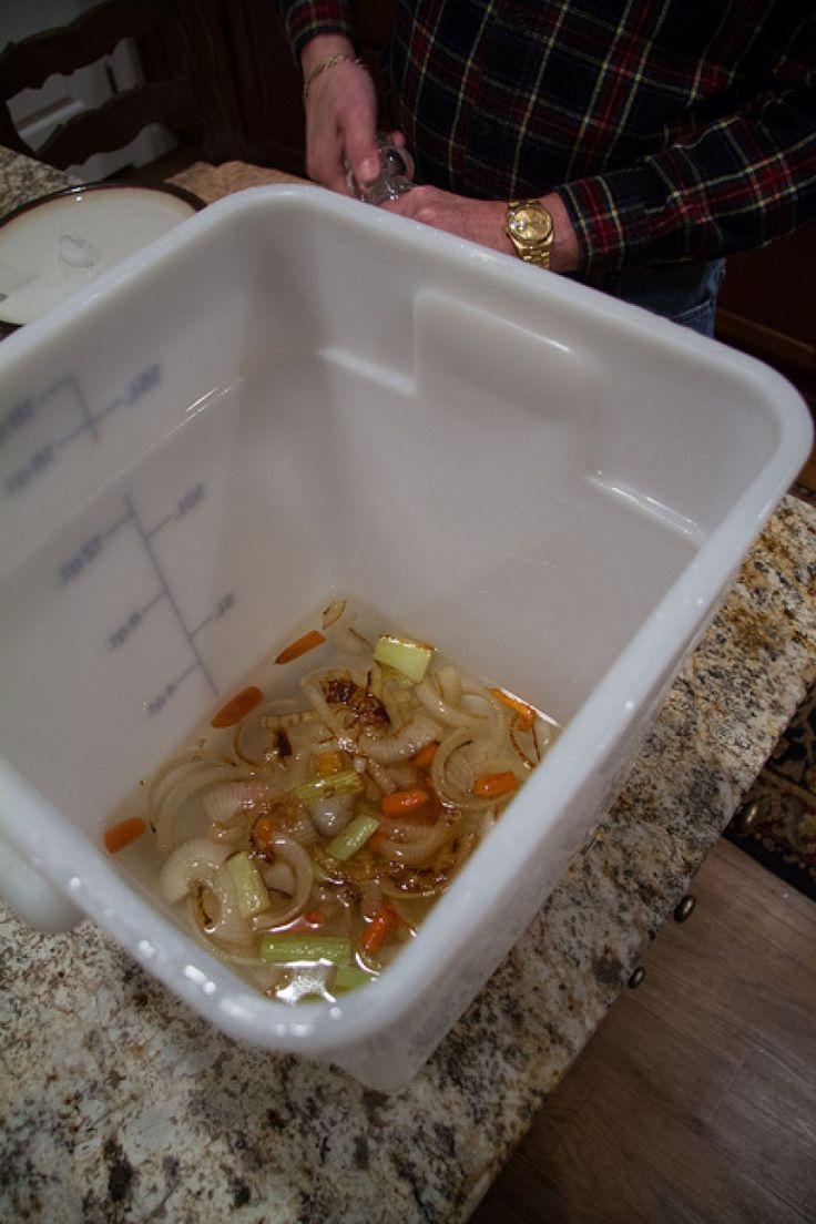 Salamoia, brine, acqua e sale per tacchino alla brace. Ricetta barbecue