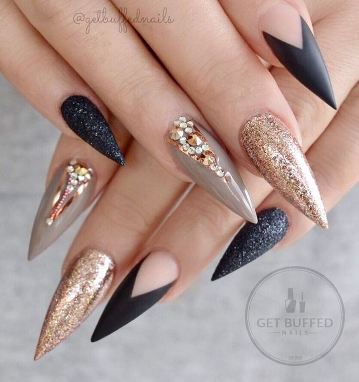 """1,443 Likes, 33 Comments - ⭐️ Sarah ⭐️ (@getbuffednails) on Instagram: """"#prettynails for #pretty @ladysparrow_8 ❤ #nailart #handpainted #longnails #pointynails…"""""""