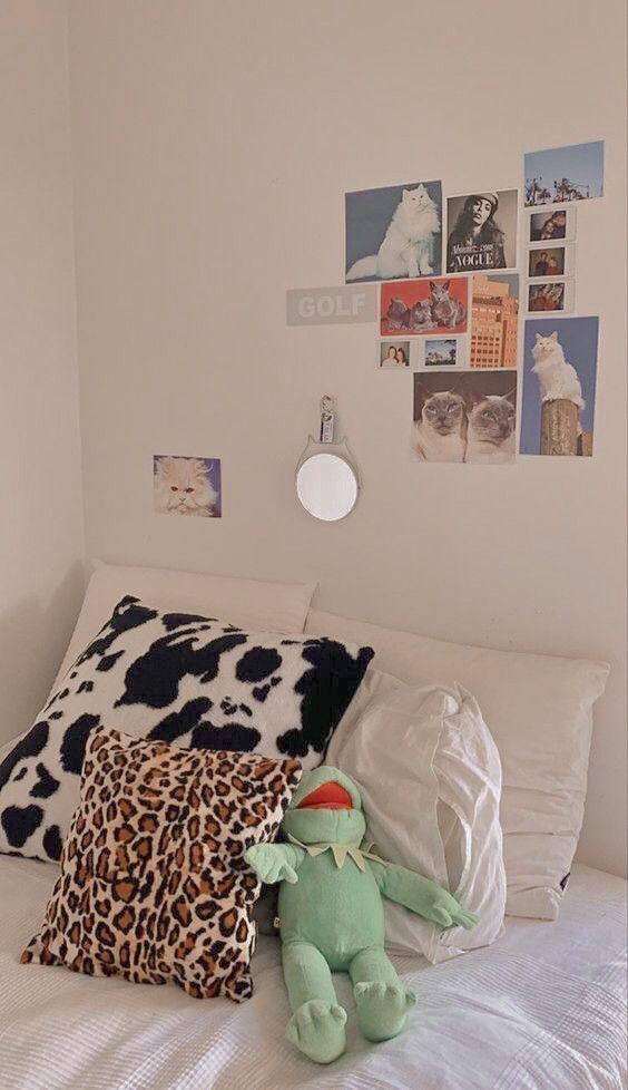 Cute Room Ideas, Cute Room Decor, Room Ideas Bedroom, Bedroom Decor, Bedroom Inspo, Bedroom Furniture, Furniture Design, Bedroom Signs, Furniture Styles