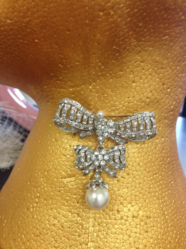 Vintage Inspired Bow Brooch