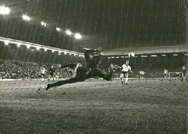 Liverpool v Fulham League Cup Replay 1983 The Kevin Lock penalty, two minutes to go at Anfield - 1 - 1 and back to the Cottage