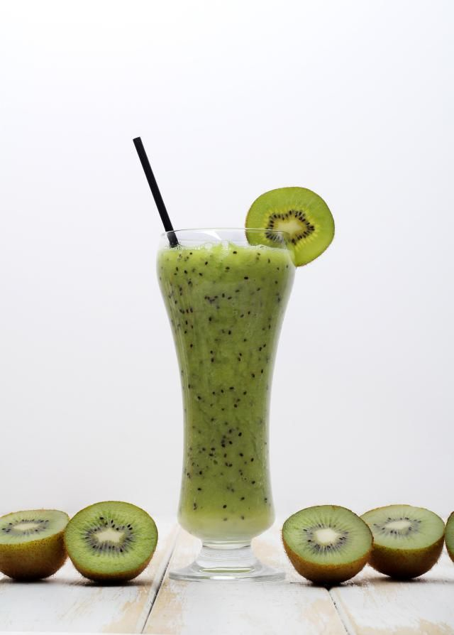 This kiwi juice recipe is specially designed for healing insomnia based on recent scientific discoveries. It's also effective against heart disease and diabetes.