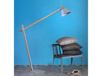 Lampada da terra a luce diretta orientabile in legno con braccio flessibile SLOPE | Lampada da terra con braccio flessibile - Miniforms