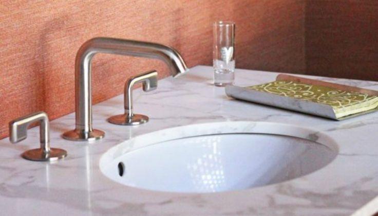Ξεβουλώστε τον Νιπτήρα στο Μπάνιο σας με Δύο Θαυματουργά Υλικά!