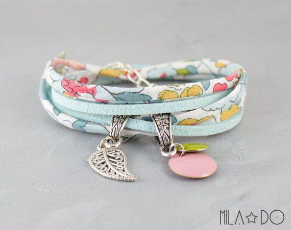 Bracelet Liberty Betsy Fleurs pastel et blanc et suèdine par MiLaDo, €17.00