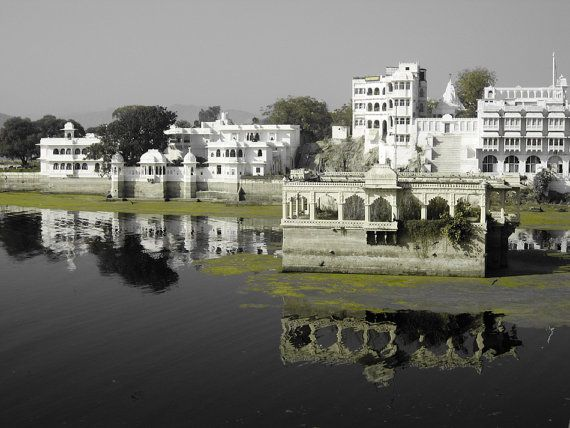 Udaipur Rajasthan India 8X10 Photograph chamelagiri.etsy.com