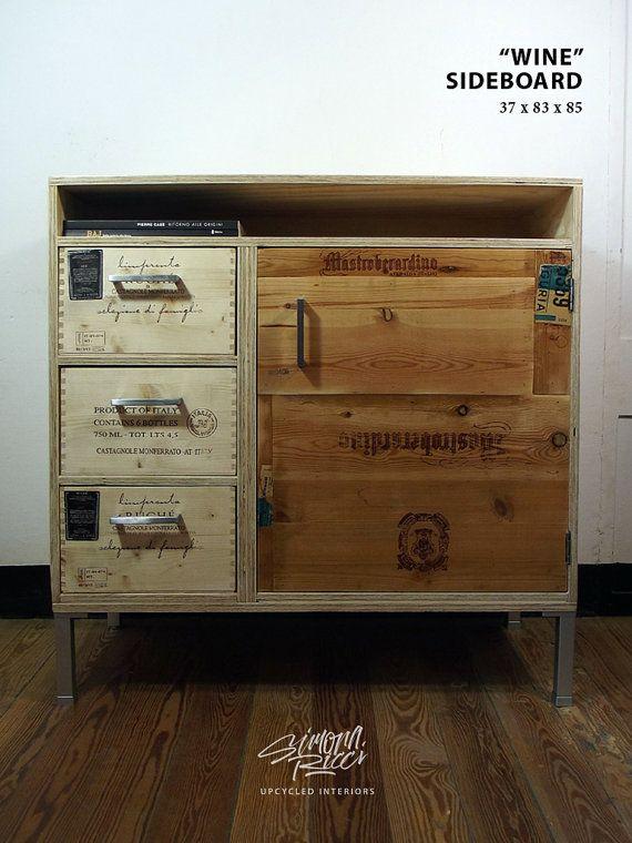 credenza con anima in legno e cassetti e rivestimenti da vecchie cassette del vino. Lovely!