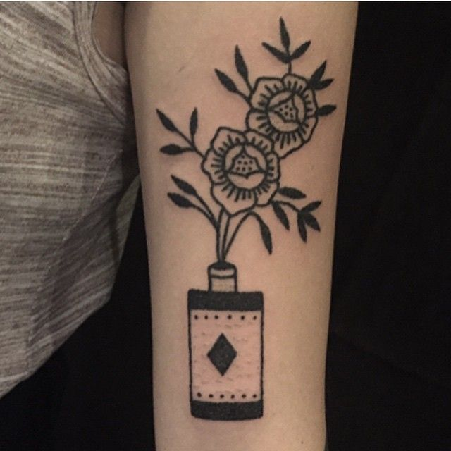 Hand poked tattoo by Jenna Bouma @slowerblack #jennabouma #eastrivertattoo