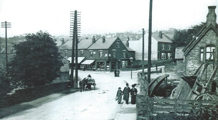 Chesterfield Rd right is Cobnar Road and entrance to Graves Park Left would be Coldstream Place Cottages my FIL was born the Dec 1900 Now the site of Woodseats Library Cheers