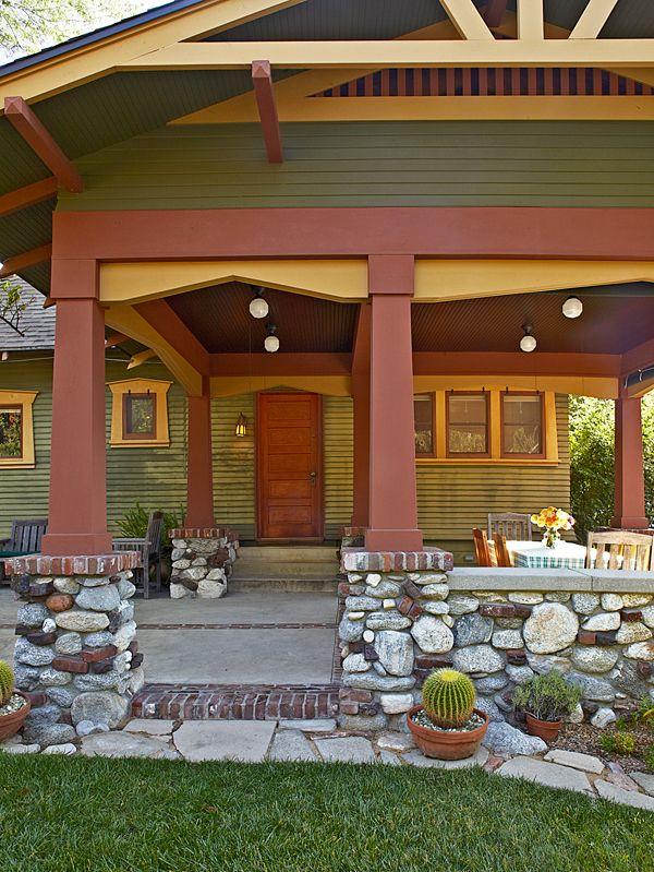 Pasadena bungalow with original woodwork for Pasadena craftsman homes