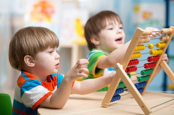 Πρώιμος ή αναδυόμενος αλφαβητισμός είναι η διαδικασία μέσα από την οποία τα μικρά παιδιά κατανοούν σταδιακά τις λειτουργίες του προφορικού και του γραπτού λόγου.  Σύμφωνα με την ...