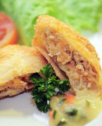 Risoles Telor Asin. Risolles Oma Londo Cafe JL. MH. THAMRIN no. 36 SEMARANG • Further information & delivery order: 0881 247 6000 08511 345 6000 (call only) BB PIN : 7E55E05D