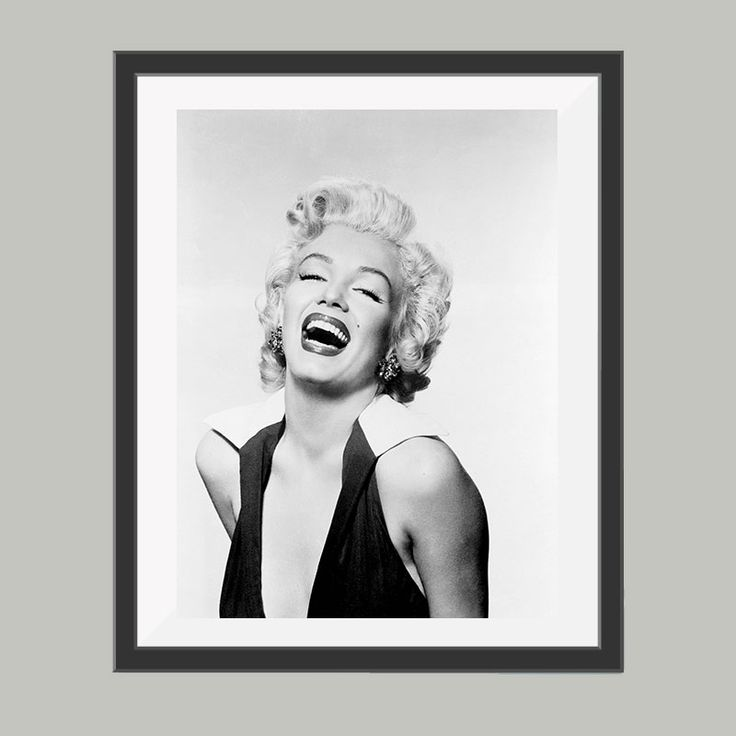 Marilyn Monroe poster, leuke poster om bijvoorbeeld op te hangen in de woonkamer. Goedkoop de leukste posters in verschillende materialen en materialen.