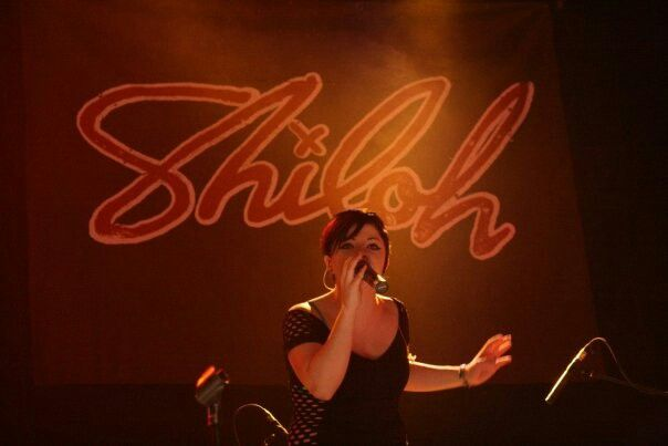 Shiloh awsome singer live