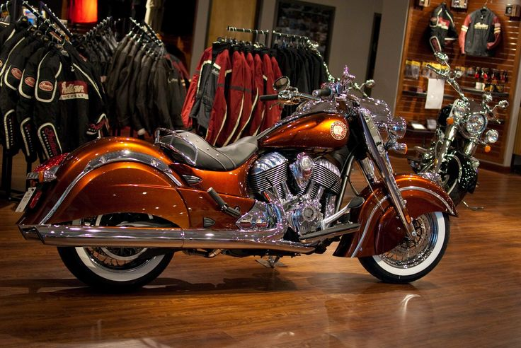 2014-indian-chief-classic-cocoa-gold-stardust-custom-paint-01-jpeg.5395 (2048×1371)