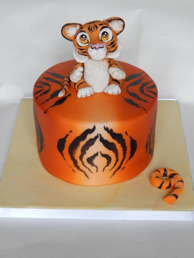 72 best Tiger Cakes images on Pinterest Animal cakes Tiger cake