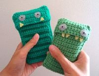 Free Crochet Pattern: Mobile phone case | Crochet Direct