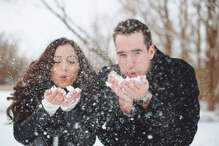 Snow is nature's confetti! We'll show you how to score some amazing winter engagement photos.