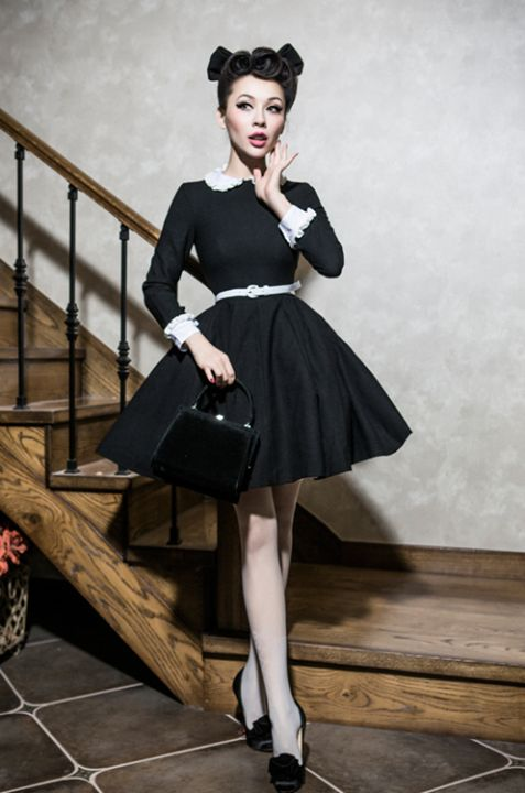 Great dress - I want one like this for christmas Model: Pin-up Girl Winny