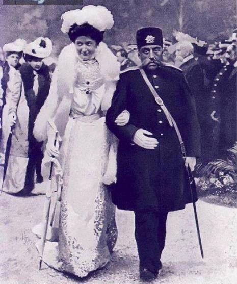 Iranian king Mozaffaredin Shah Qajar walks hand-in-hand with Italian Queen Elena on a 1902 European trip. What a find! via @Ajam Media Collective https://twitter.com/AjamMC