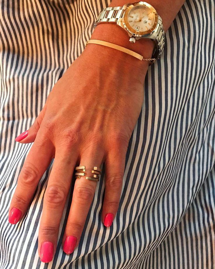 De smukkeste dansk designede ringe og armbånd med Tag Heuer uret alt fra Guldsmed Johan Veje og så lige i en stribet skjorte. Love2Live <3 Meet me on Instagram @kristinasindberg