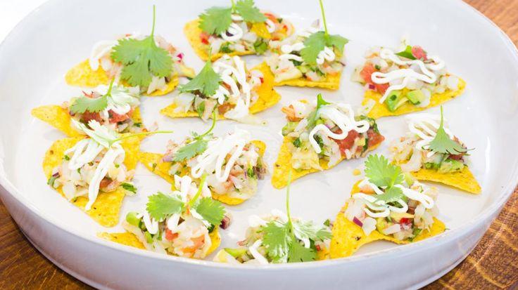 Ceviche van scampi's met nacho's en zure room | VTM Koken