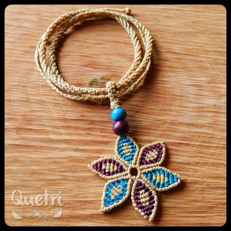 Collar flor macramé  #collar #flor #macramé #beige #morado #calipso #madera