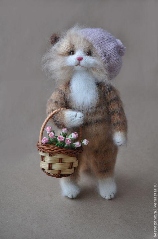 КОШКА С ЛУКОШКОМ Вязаная игрушка - кошка,кошечки,кот,котик,котенок,коты и кошки