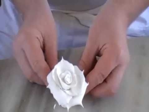 HOW TO MAKE GUM PASTE ROSES USING NO CUTTERS: fondant roses
