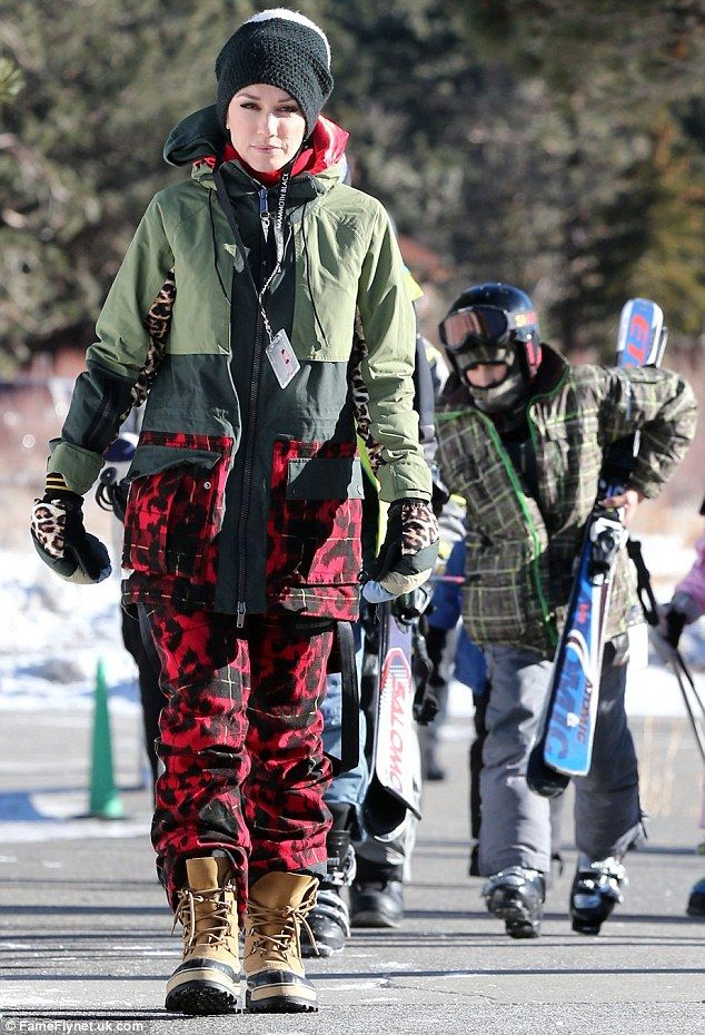 Stylish skier! Gwen Stefani looked chic in her L.A.M.B. x Burton snow wear as she hit the slopes in Mammoth Mountain, California on Wednesday