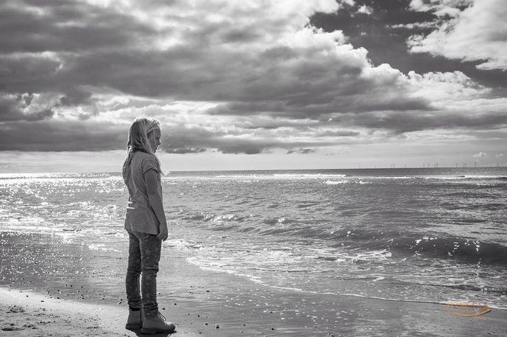 Julia aan de vloedlijn...