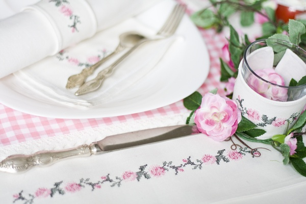summer table decorations - roses