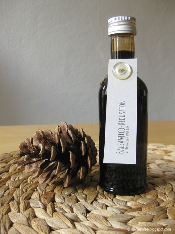 Die Raumfee: Balsamico-Reduktion mit Rosmarin & Knoblauch // Balsamic reduction with rosemary & garlic