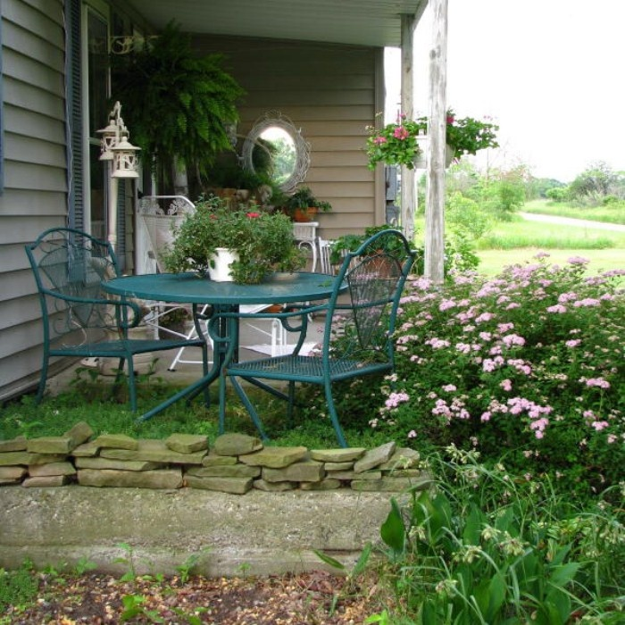 Shabby Chic Terrace Design With Victorian Charm | DigsDigs