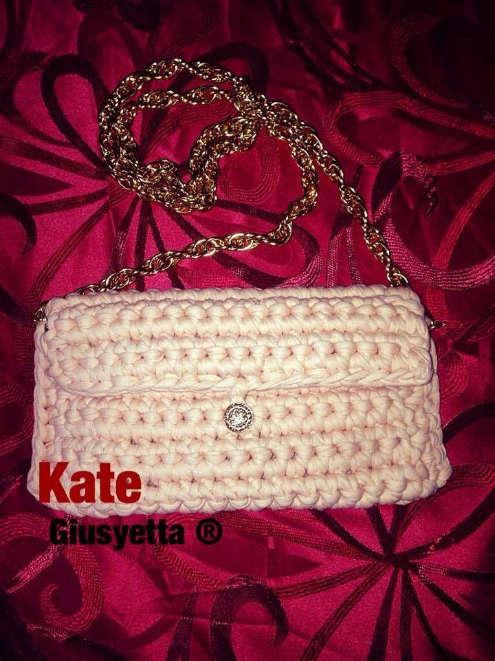 Clutch bag in fettuccia - Fatta a mano 100 % made in Italy - per info ordinazione e spedizione : handmadewithlove_g@outlook.com