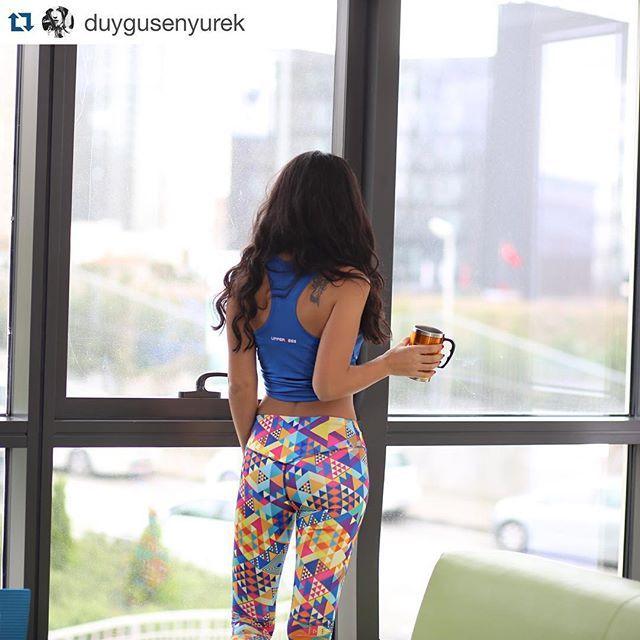 Happy Weekend . Keana Tayt ve Strong Atlet muhteşem bir kombin olmuş mu?  #Repost @duygusenyurek with @repostapp. ・・・ Pilates'den önce bir fincan yeşil kahve ✔️ ☕️ #taytım @upperness_official