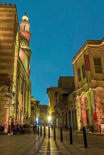 La Calle de El Moez, El Cairo, recorridos por Egipto.  http://www.espanol.maydoumtravel.com/Paquetes-de-Viajes-Cl%C3%A1sicos-en-Egipto/4/1/29
