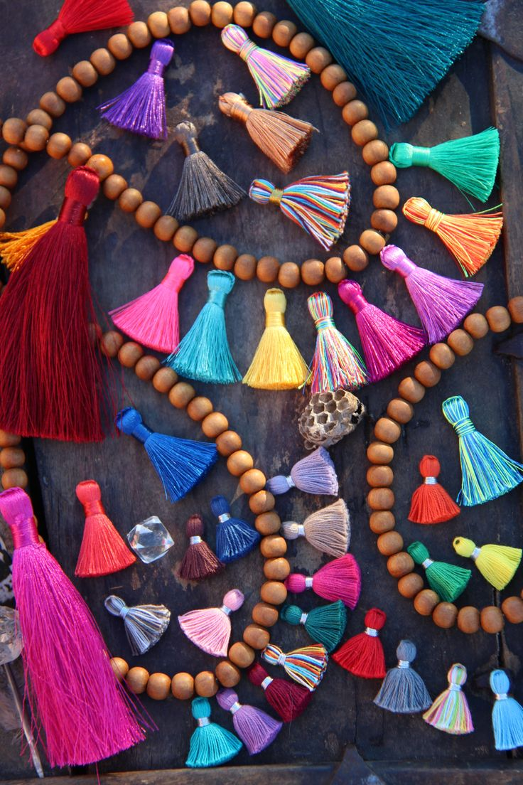 ✮All Tassels are not created equal  WomanShopsWorld