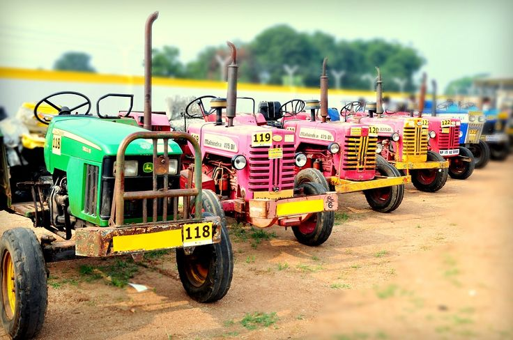 2017 SET TO BECOME A BENCHMARK FOR TRACTOR SALES.. #latestusedcarforsale #secondhandcommercialcar indelhincr #usedconstructionequipment
